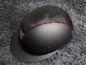 Samshield ridehjelm shadowmatt Miss Shield shimmer sort med rød kant set fra siden